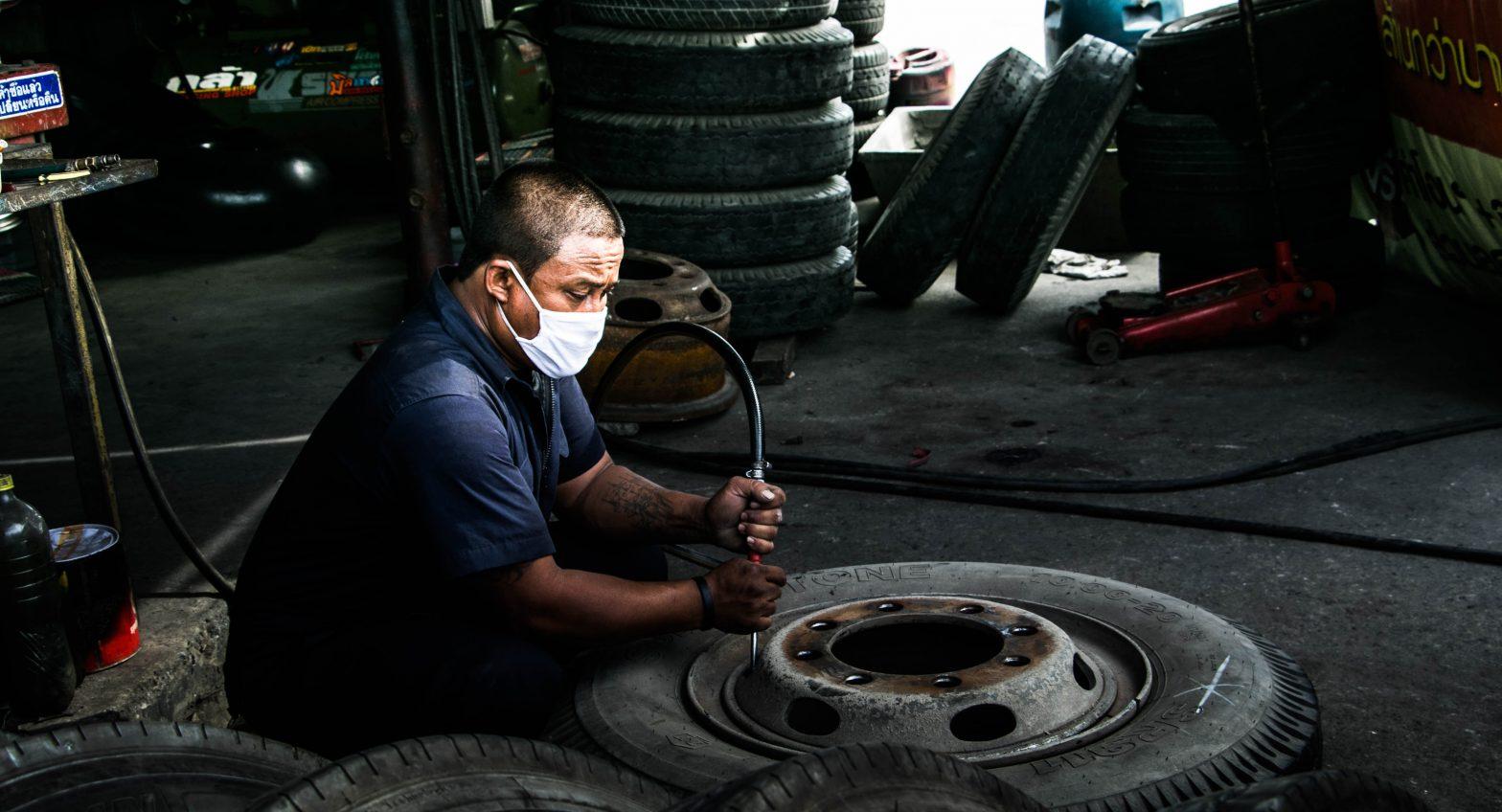 車検の際の作業内容、工賃、納期について解説